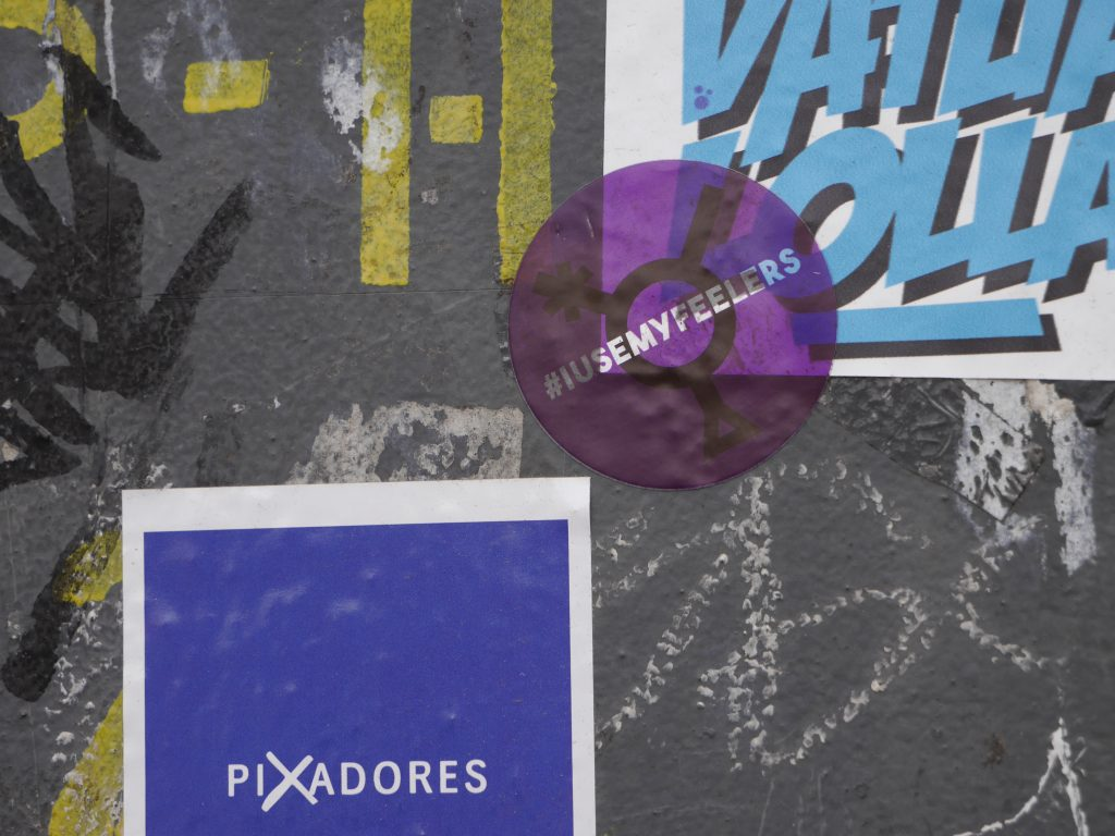 purplenoise-sticker